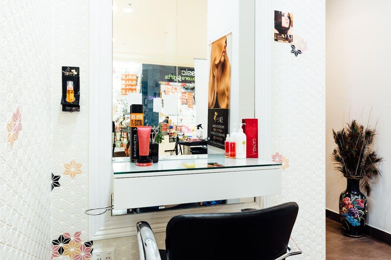 Shashi Hair, Beauty & Day Spa - Liverpool image 3