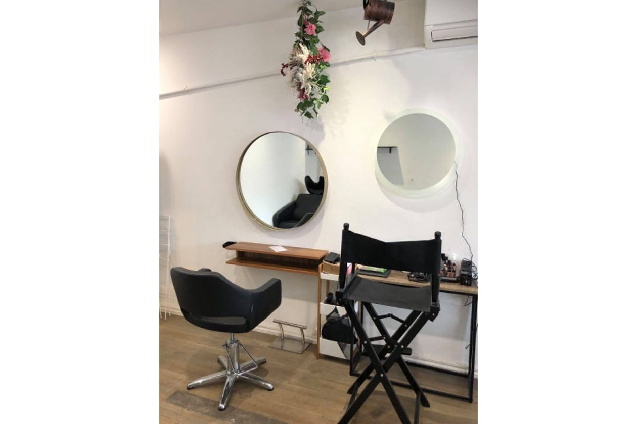 Alexa Delsa Le Petit Salon and Make up