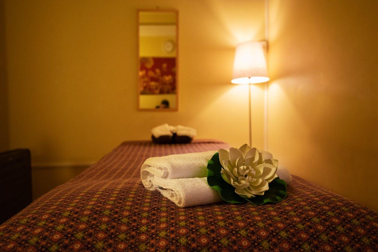 Royal Lotus Thai Massage image 6