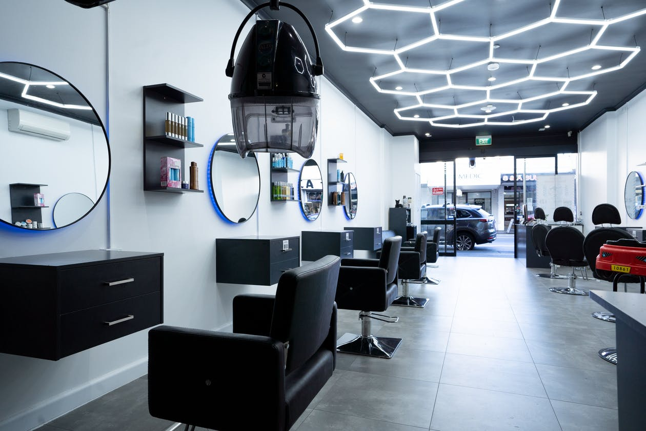3 Points Hair Extensions and Barbering