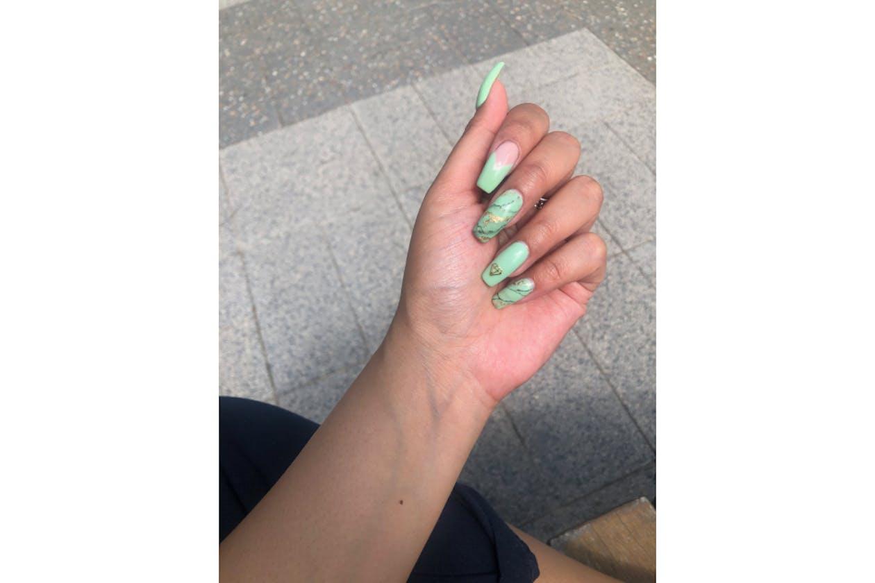 Larose Nails & Beauty image 11
