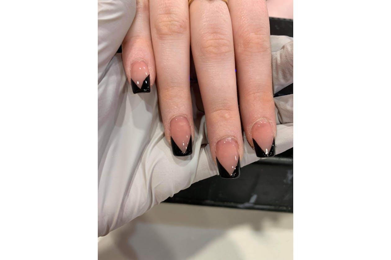 Kimmys Hair Nails & Beauty image 34