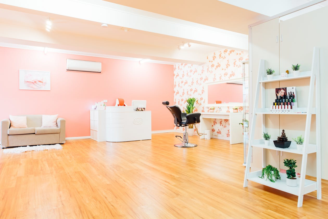 Glitzy Glam Beauty Salon image 5