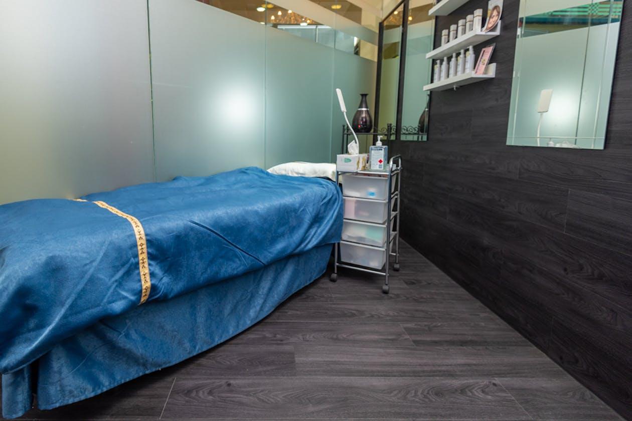 Crescent Beauty, Nails & Lash Salon image 3