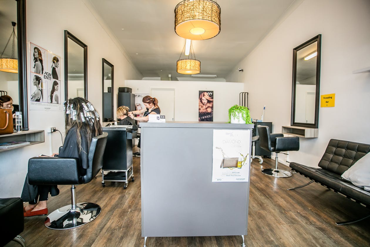 Luxuria Salon image 4