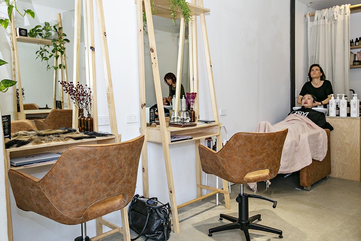 Zanzi Hairdressing image 18