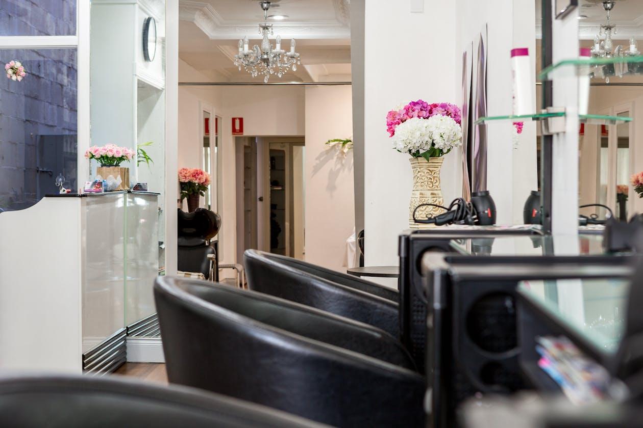JL Boutique Hair Salon image 6