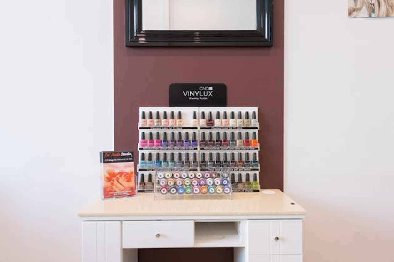 La' Nails Studio image 3