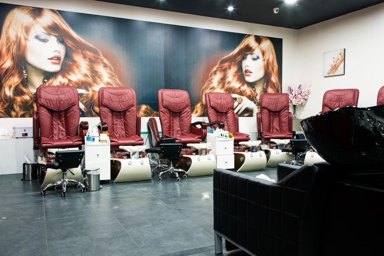 Kimmys Hair Nails & Beauty image 3