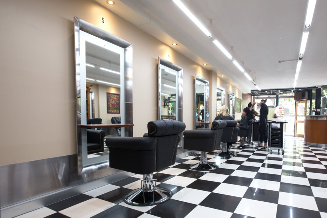 Curly Top Hair Salon image 1