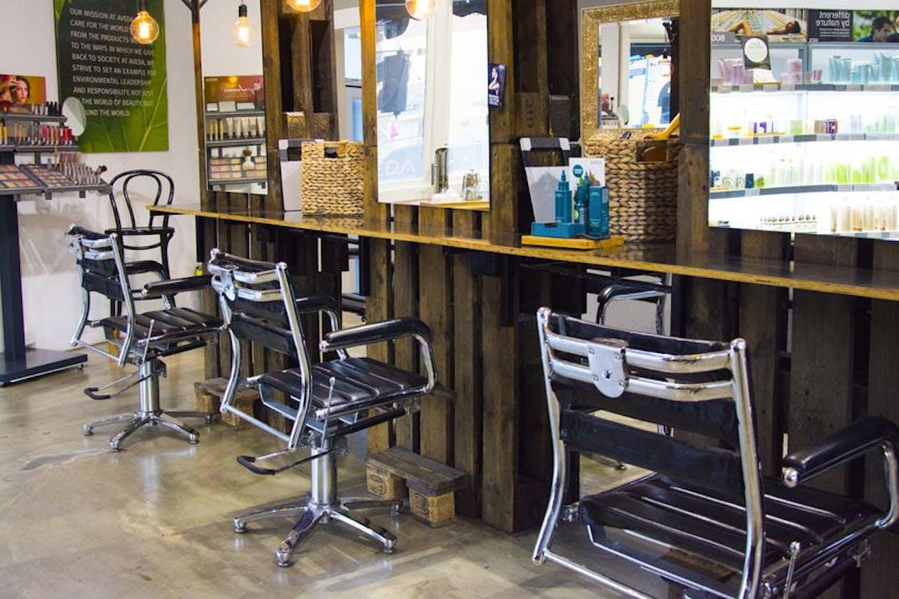Eloura Lifestyle Salon & Spa image 4