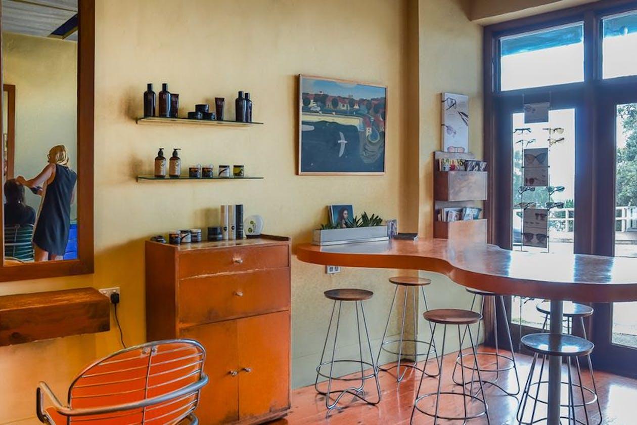 Kelp Hairdressing image 2