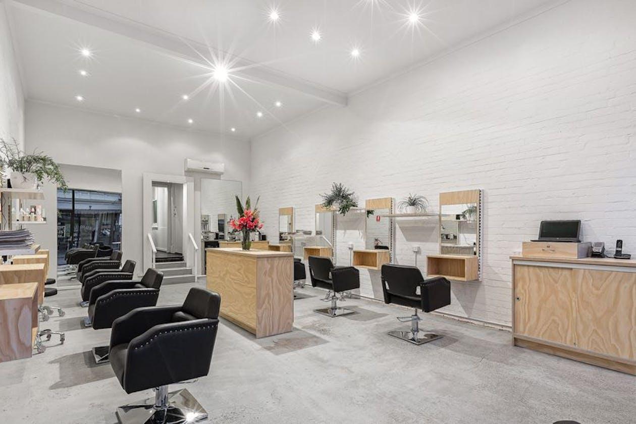 Salon XVI