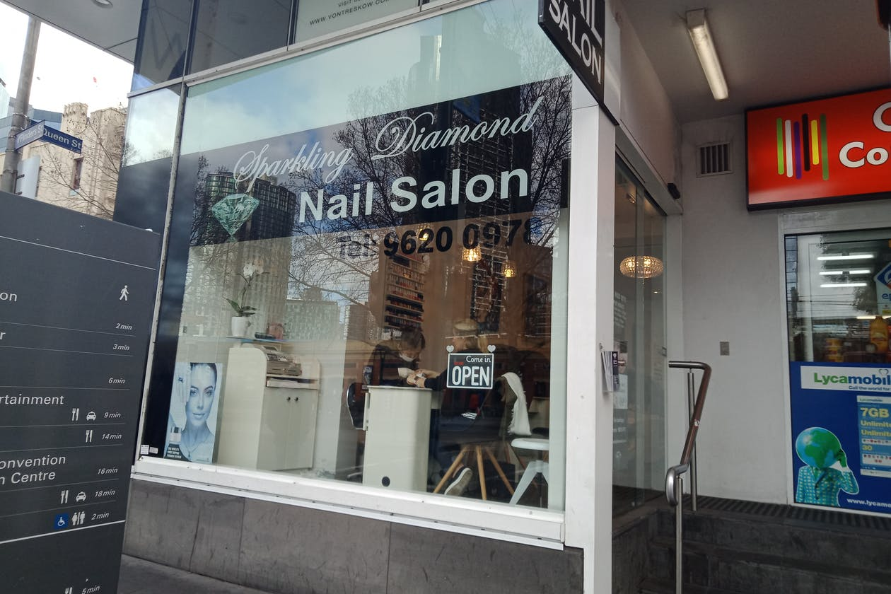 Sparkling Diamond Nail Salon image 2
