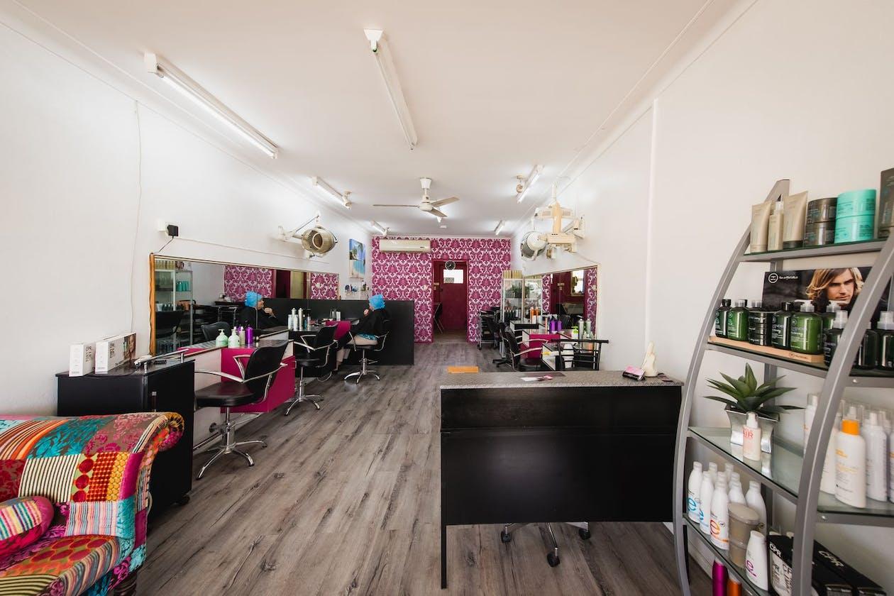 RJ's Hair Studio