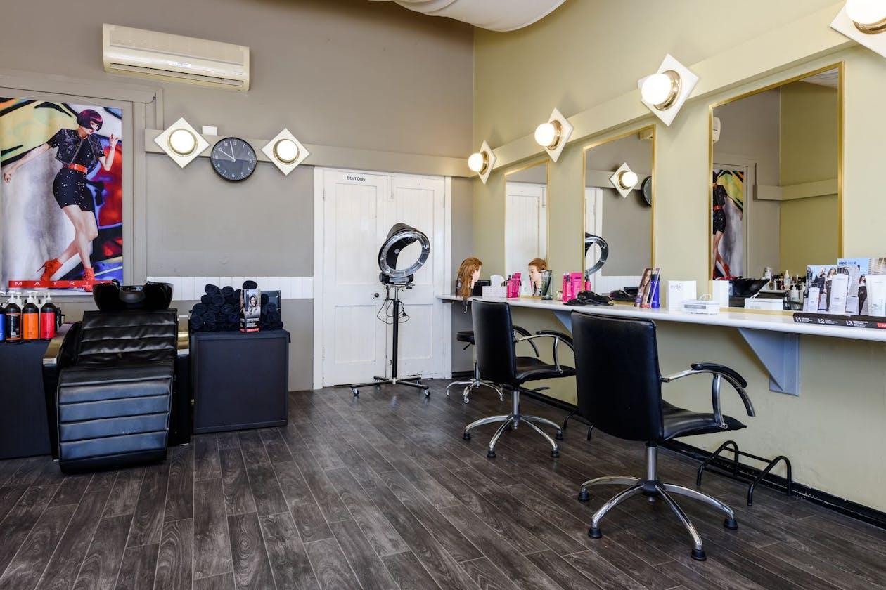 Jovana Hair Studio image 3