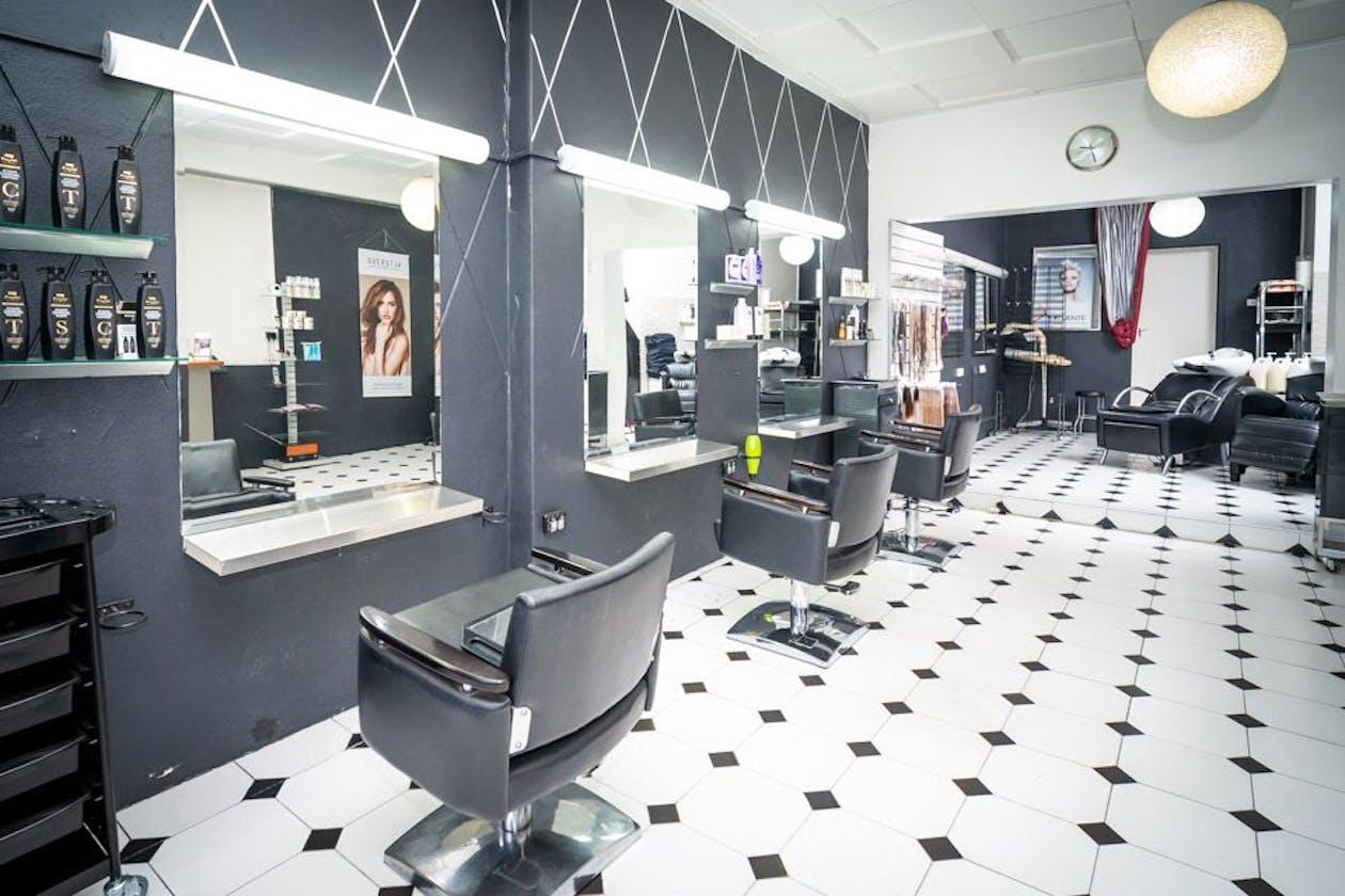 Dare II Hair Studio image 15