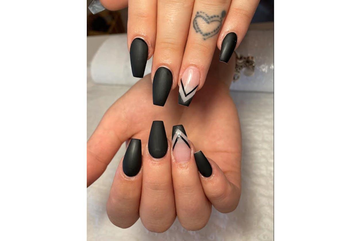 New York Nails Spa & Beauty