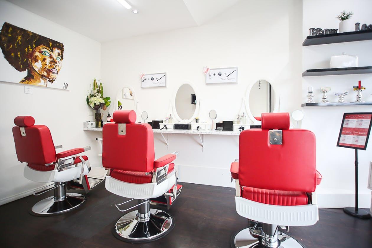 Simply Brows and Lashes - Camberwell image 1