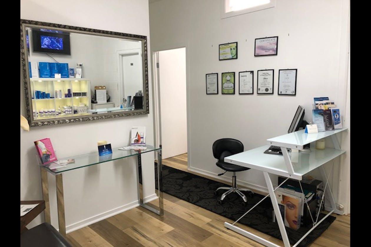 T Cosmetics Studio