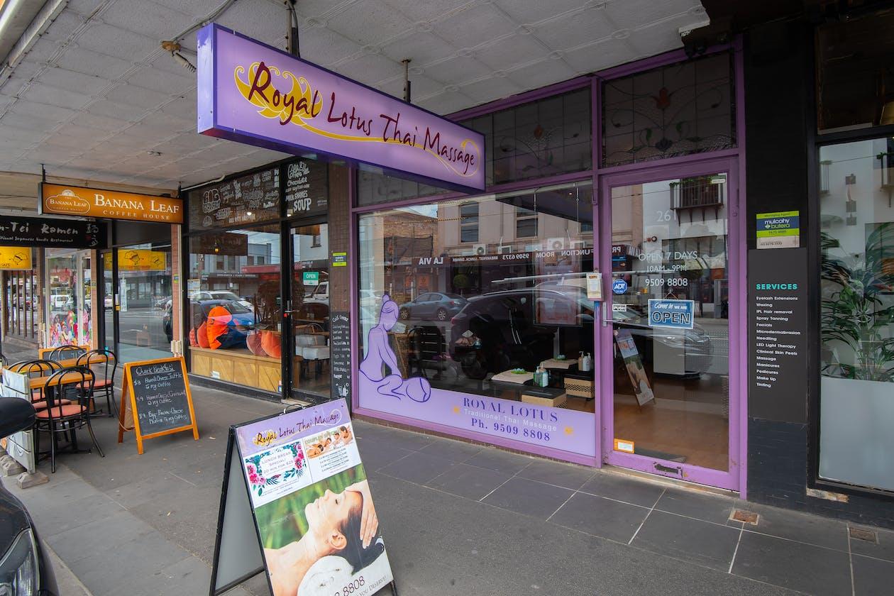Royal Lotus Thai Massage image 11
