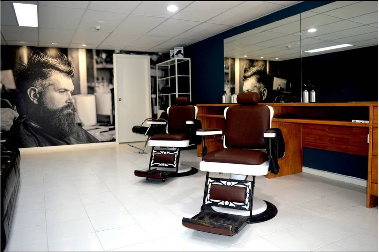 Golden Touch Barbershop