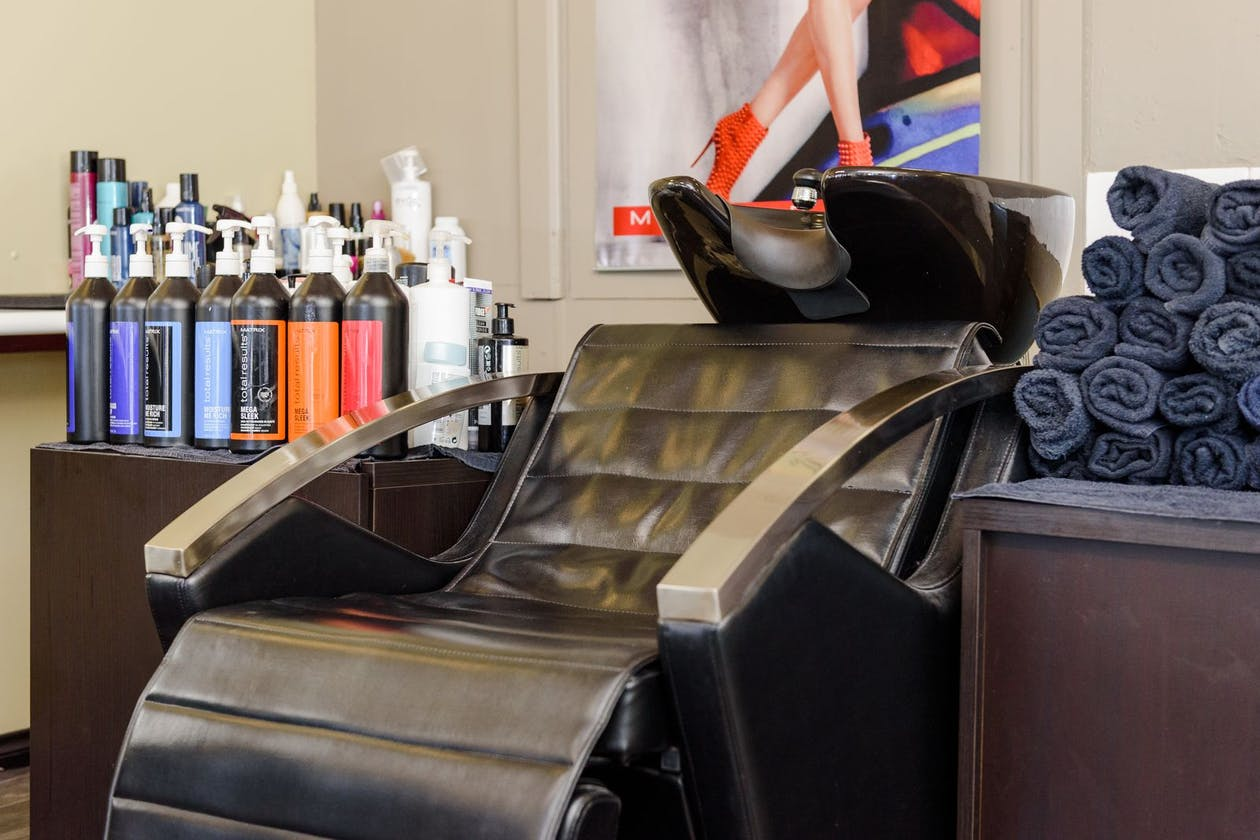 Jovana Hair Studio image 5