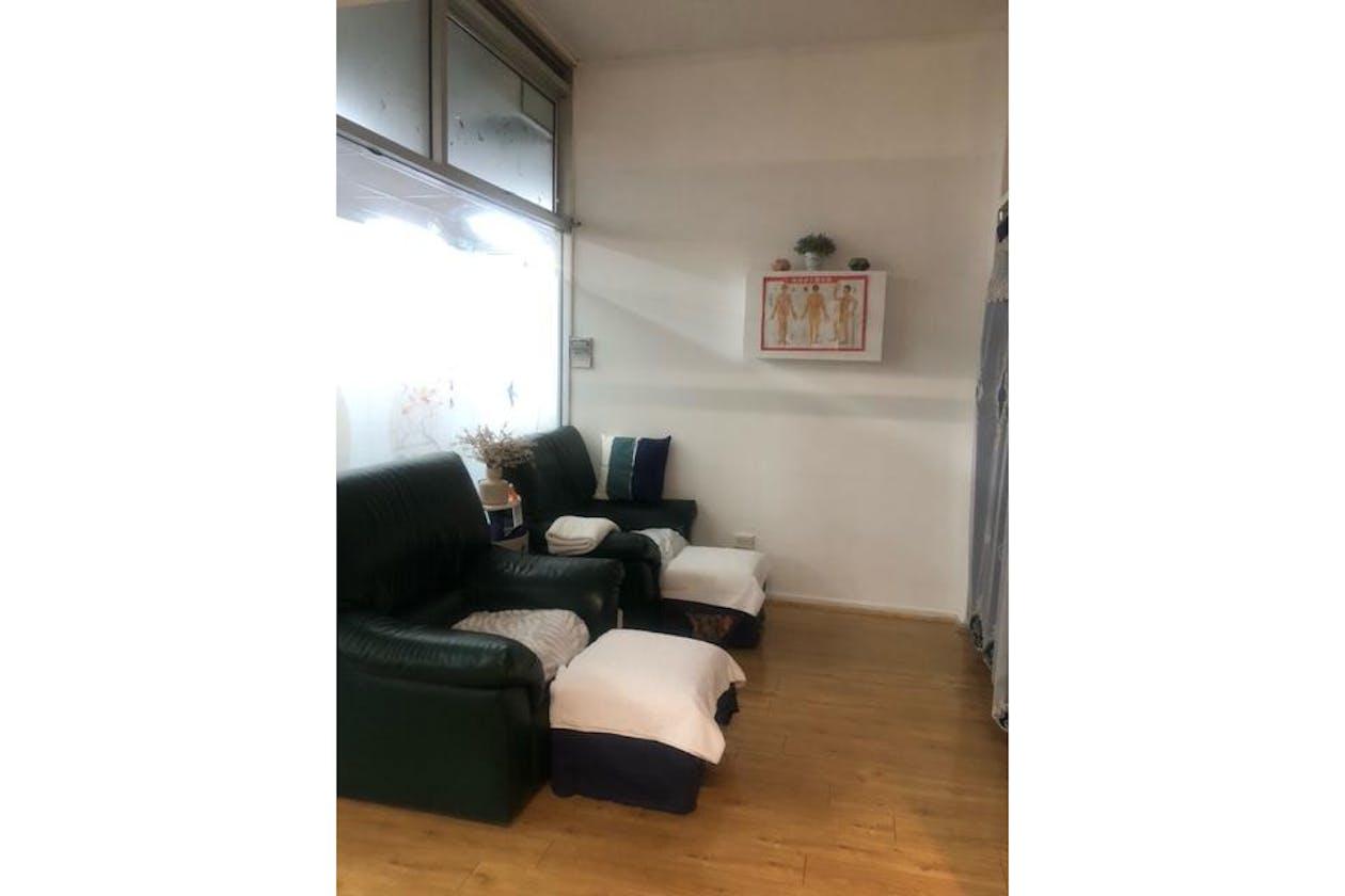 TCT Massage image 2