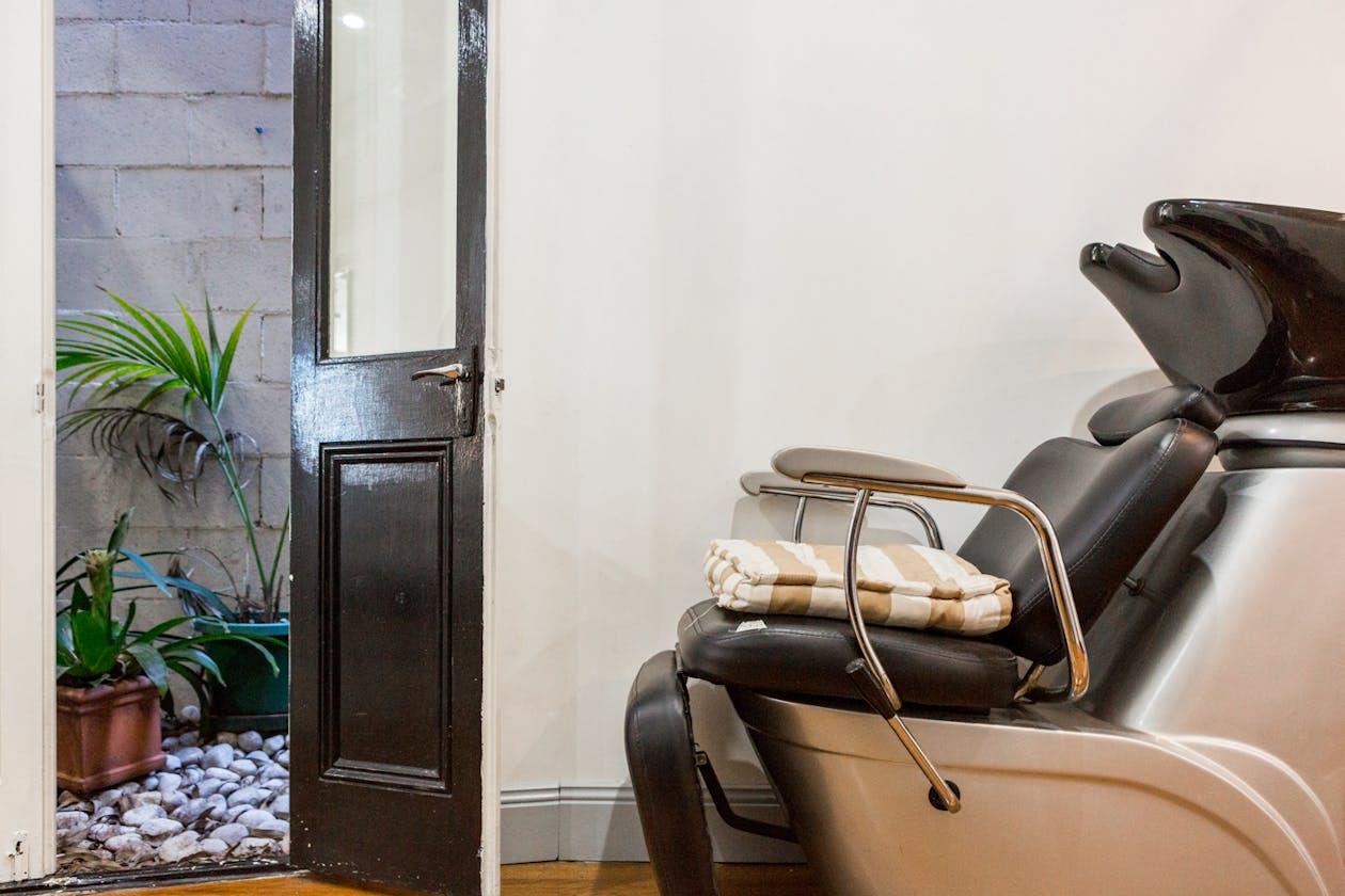 JL Boutique Hair Salon image 2