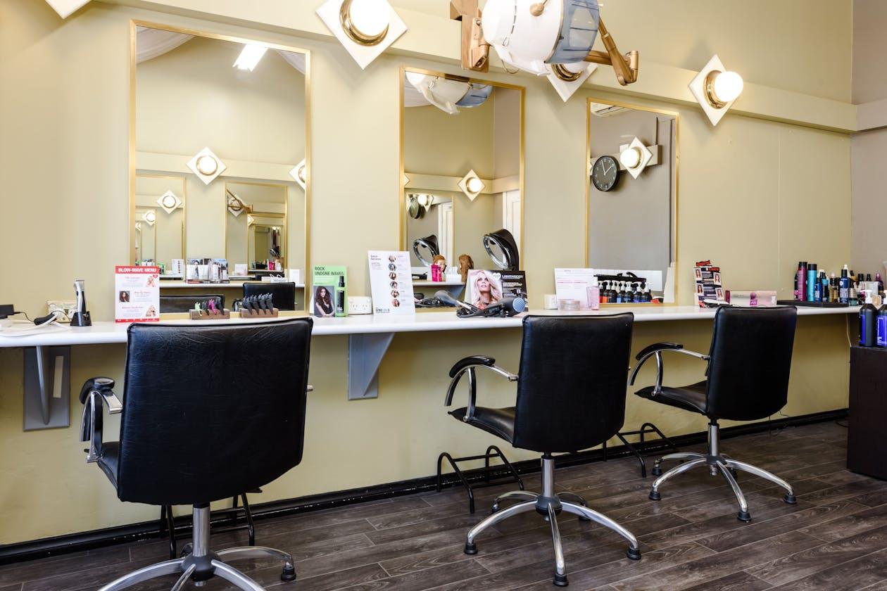 Jovana Hair Studio image 2