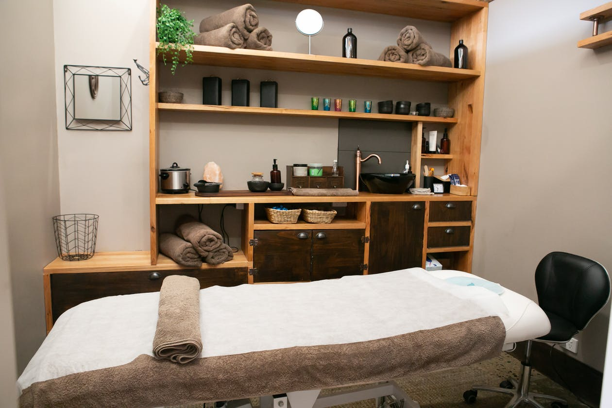 You R Worth It Beauty and Wellbeing Centre image 2