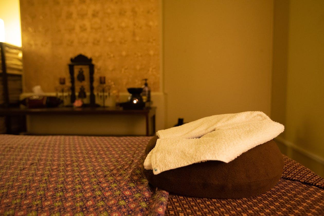 Royal Lotus Thai Massage image 3