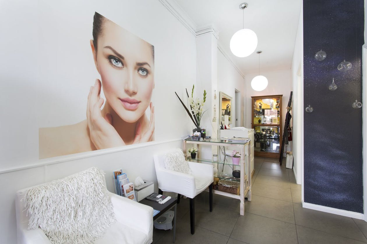 Looks Beauty Clinic