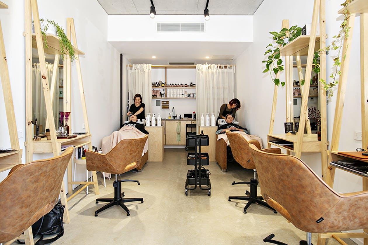 Zanzi Hairdressing image 2