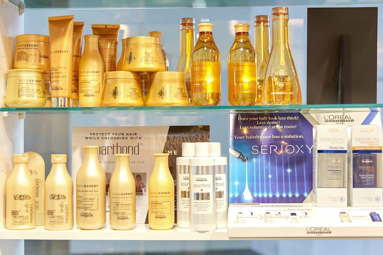 The Hue Hair Salon image 7