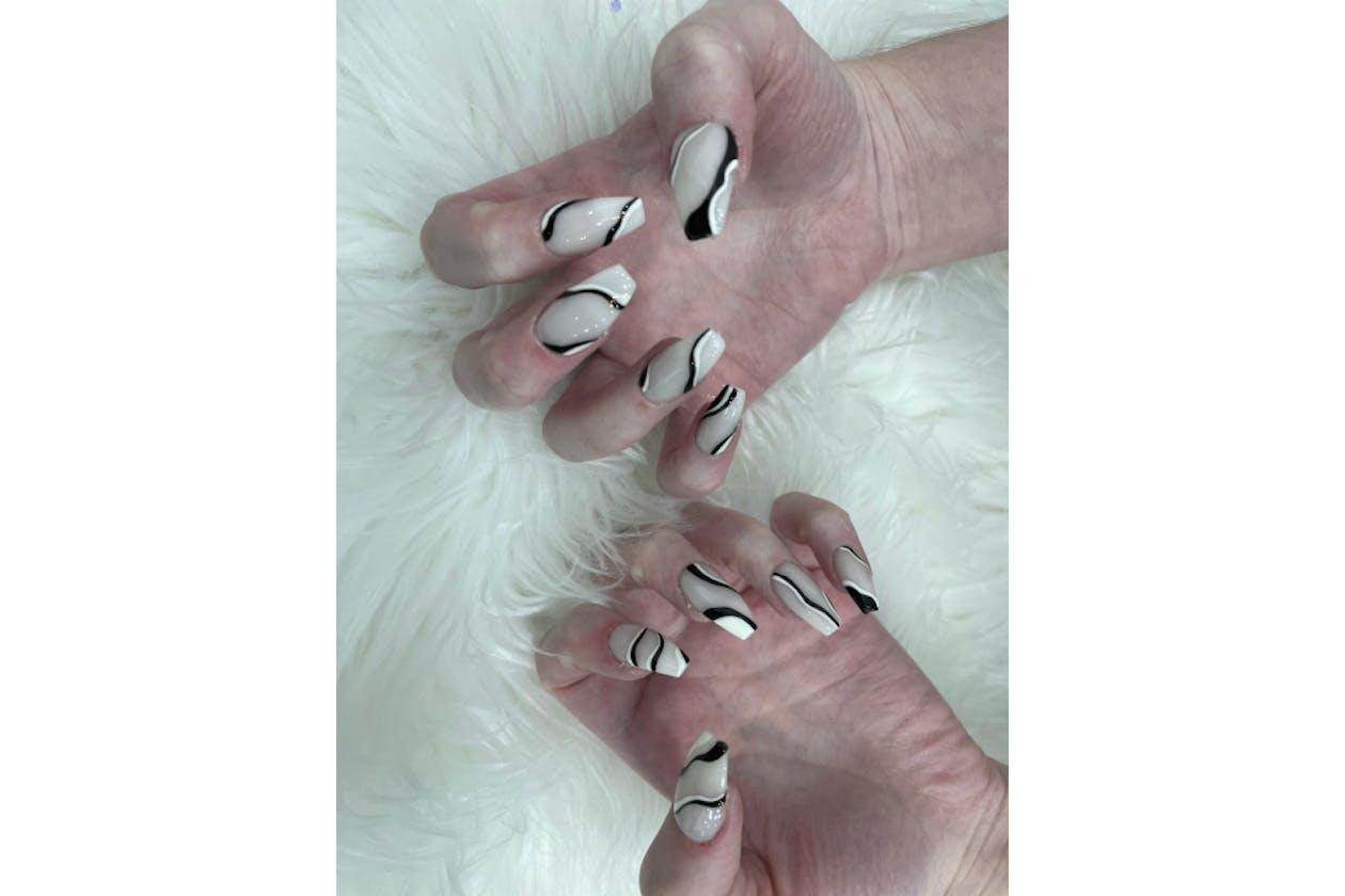 Larose Nails & Beauty image 2