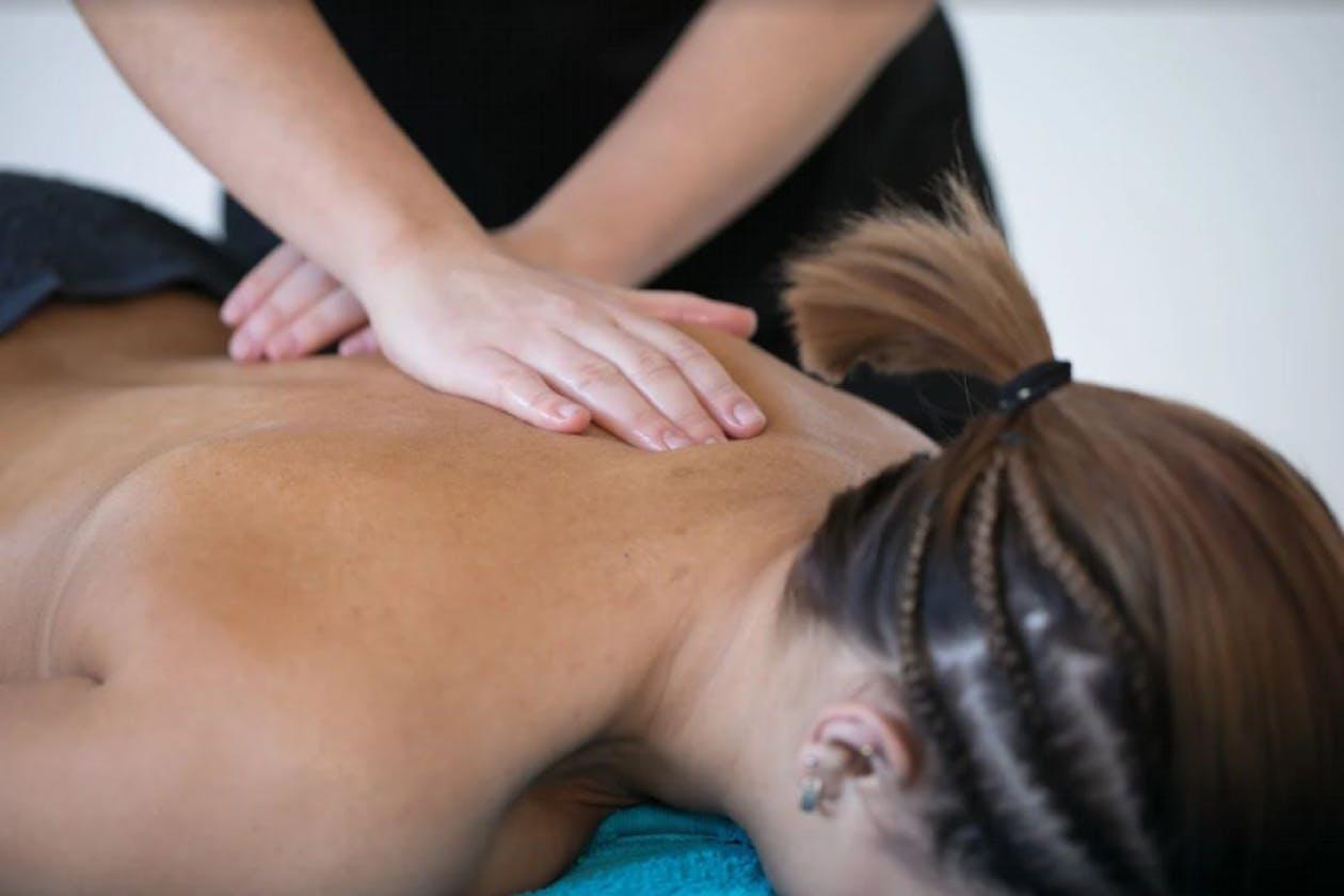 Seashelle Massage image 3