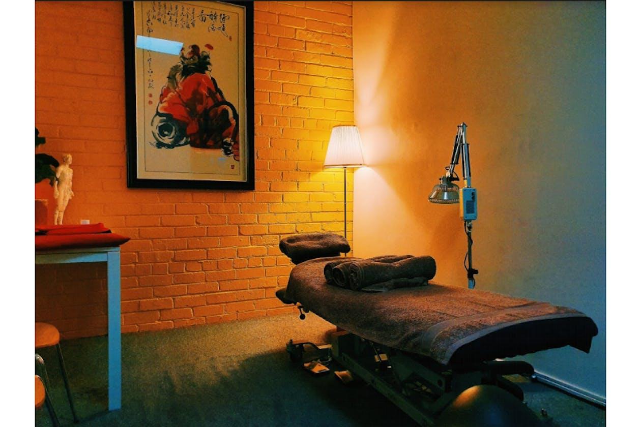 Mike J Gomez Massage & Acupuncture