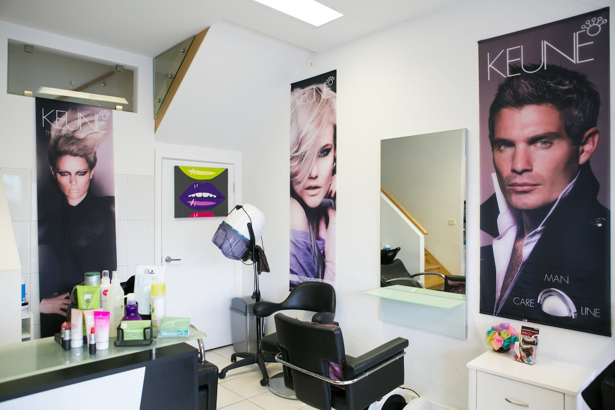 Modern Touch Hair & Beauty image 4