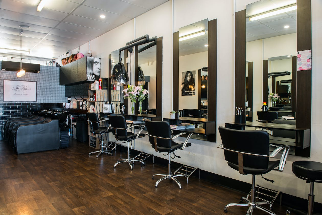 Invogue Hair Designers image 4