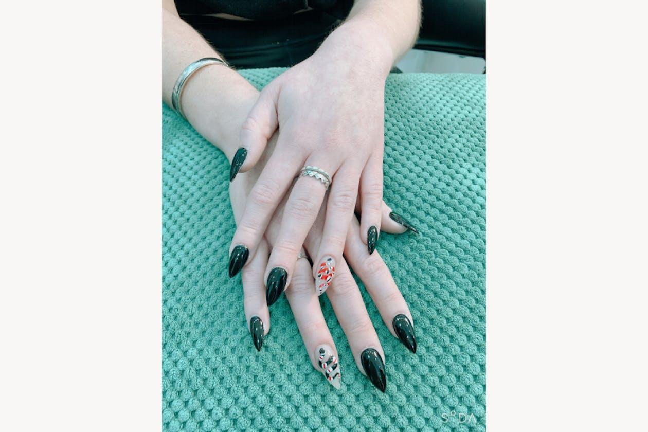 Larose Nails & Beauty image 12