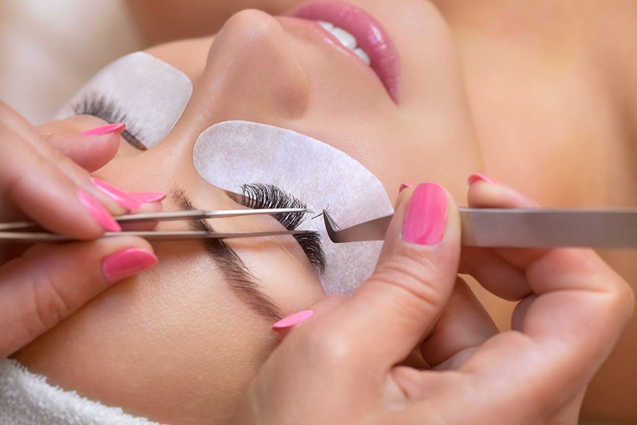 Lavish Eyelash Extensions