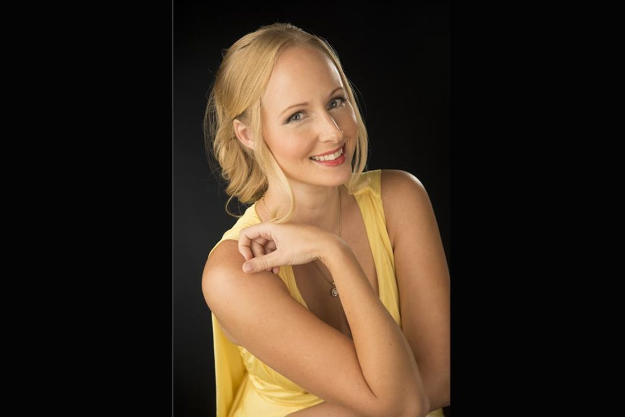 Living Glamour Makeup Studio image 7