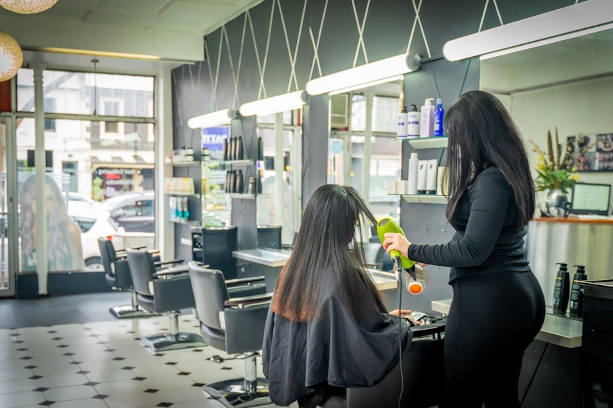 Dare II Hair Studio image 10