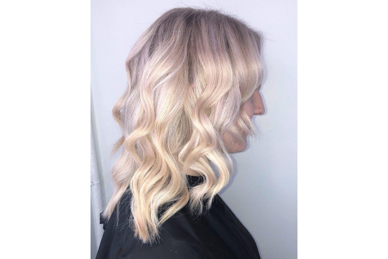 Essense Hair, Beauty & Barber image 7