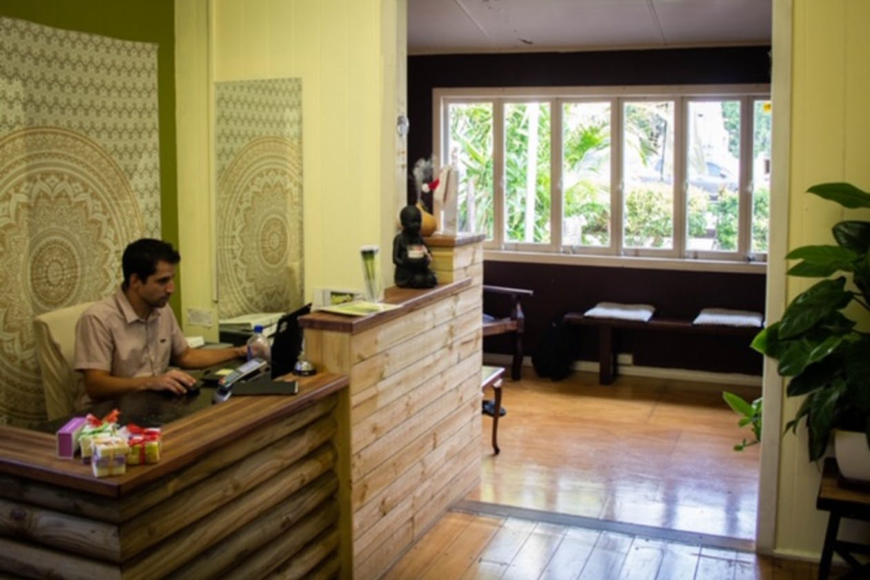Miracle Workers Massage & Holistic Therapies image 2