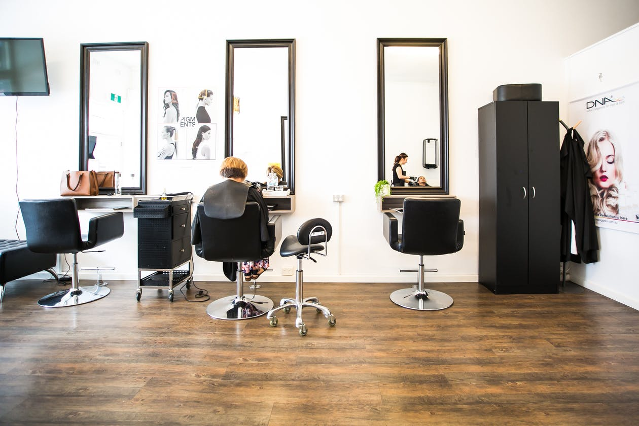 Luxuria Salon image 3