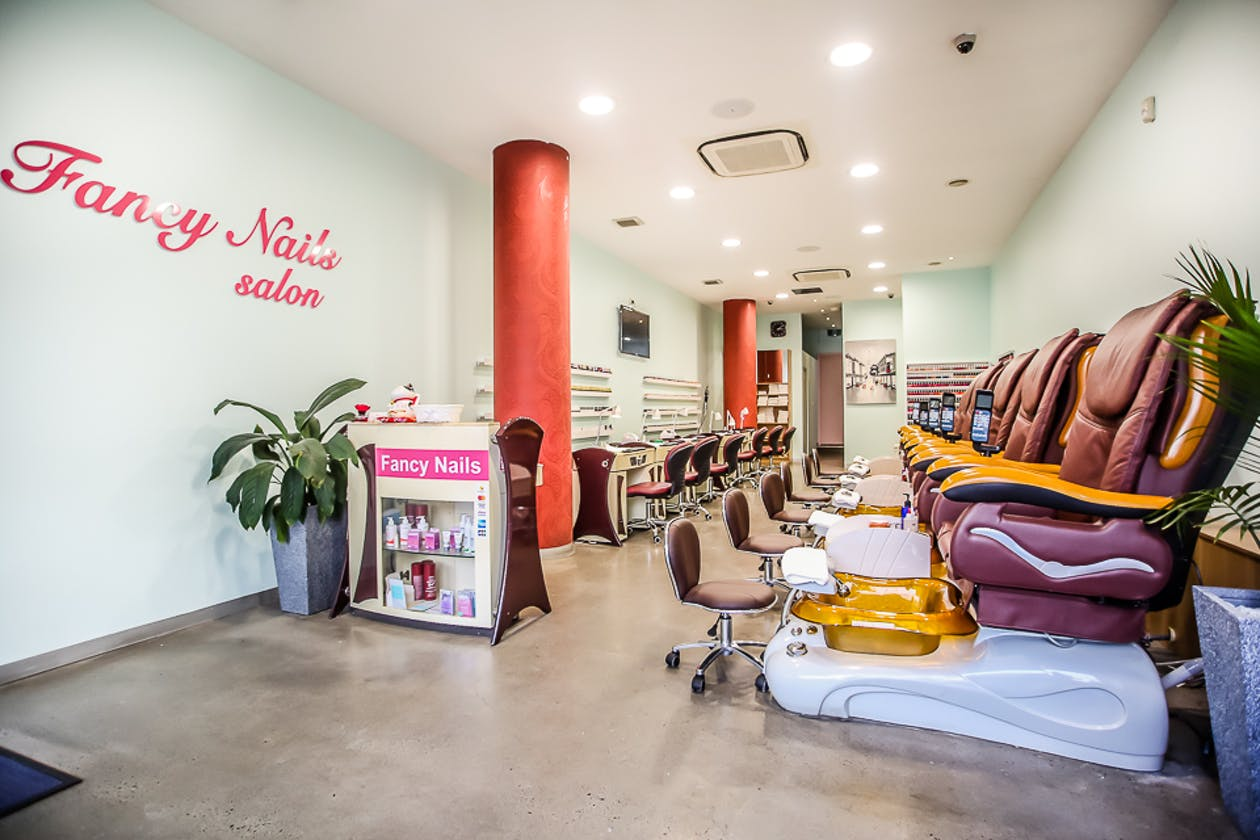 Fancy Nails Salon image 1