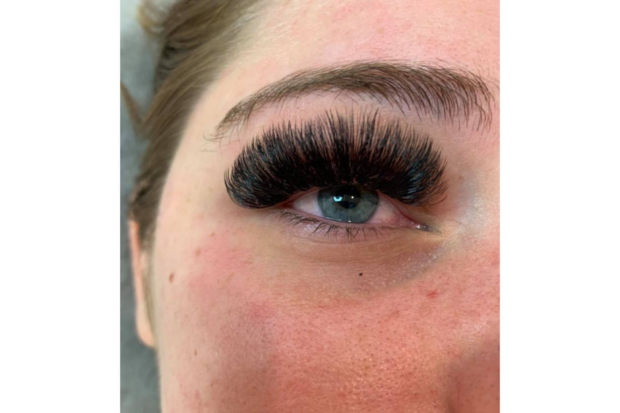 Queen Bee Beauty Studio image 12