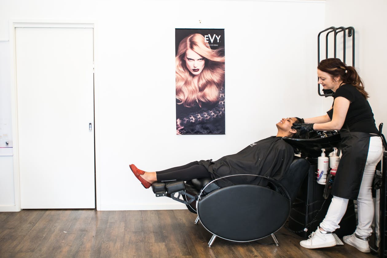 Luxuria Salon image 5